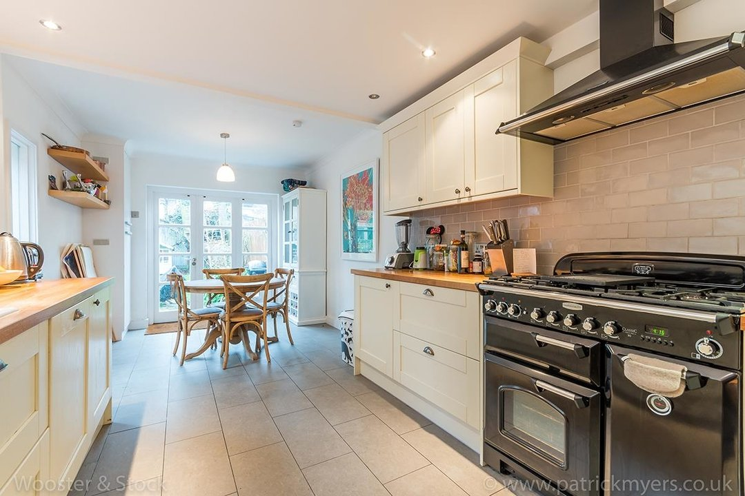 House - Terraced Sale Agreed in Choumert Road, SE15 246 view10