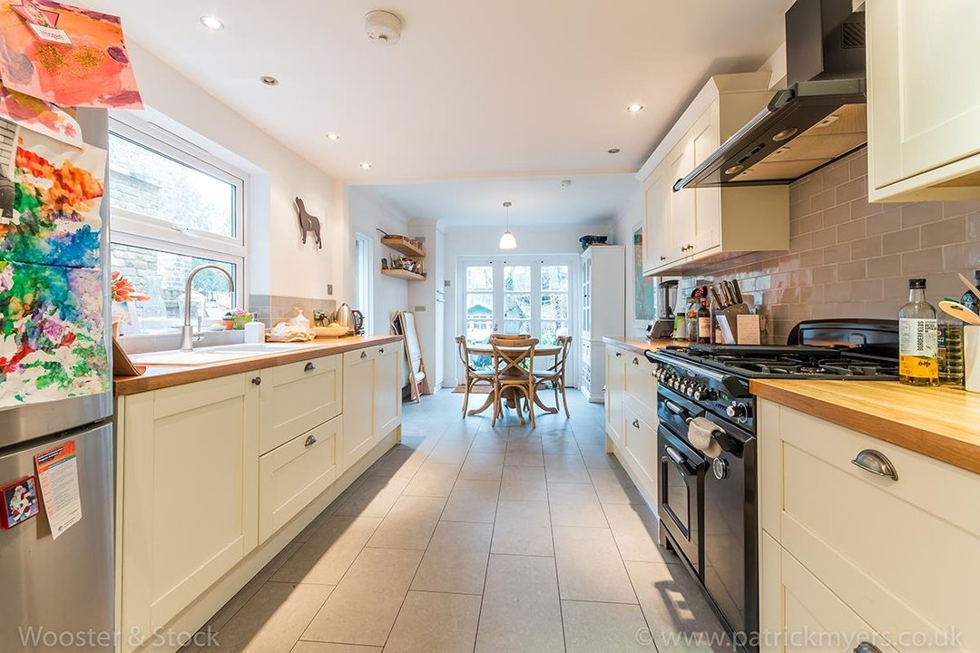 House - Terraced Sale Agreed in Choumert Road, SE15 246 view9