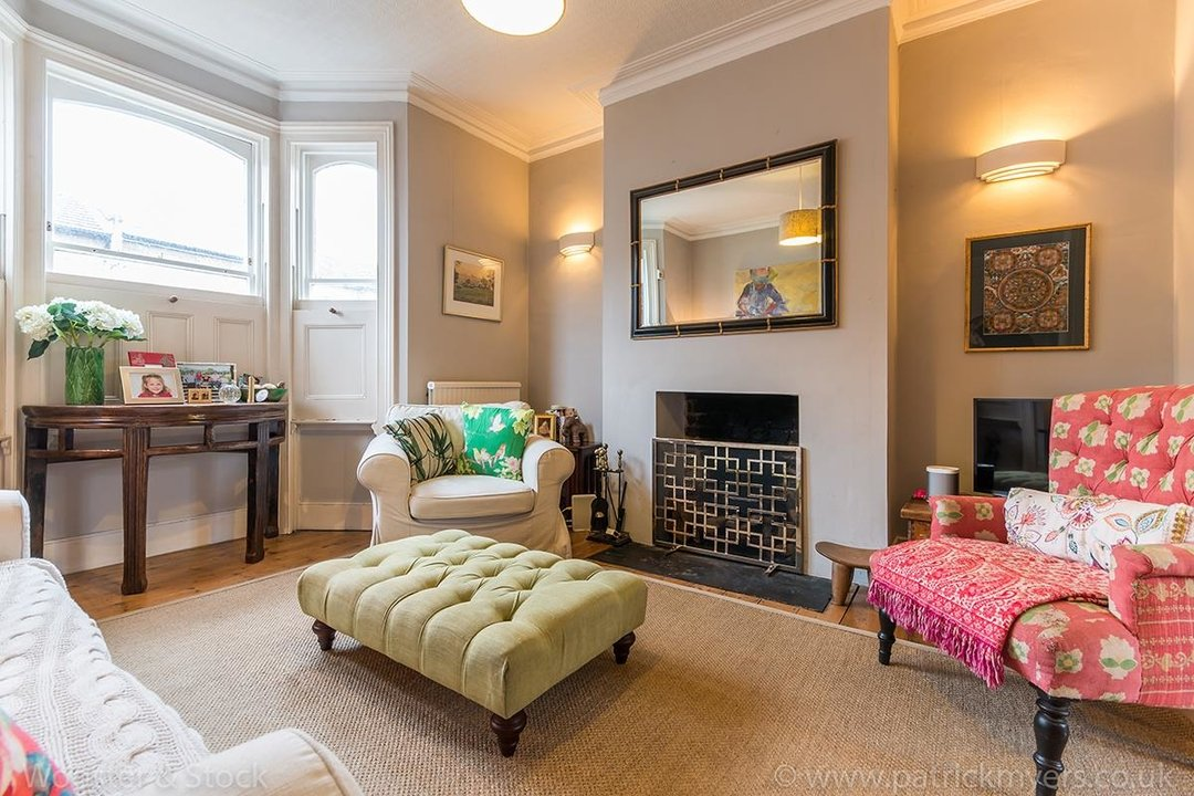 House - Terraced Sale Agreed in Choumert Road, SE15 246 view3