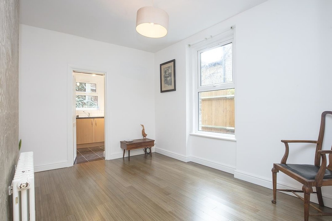 Flat - Conversion Sale Agreed in Coldharbour Lane, SE5 250 view3