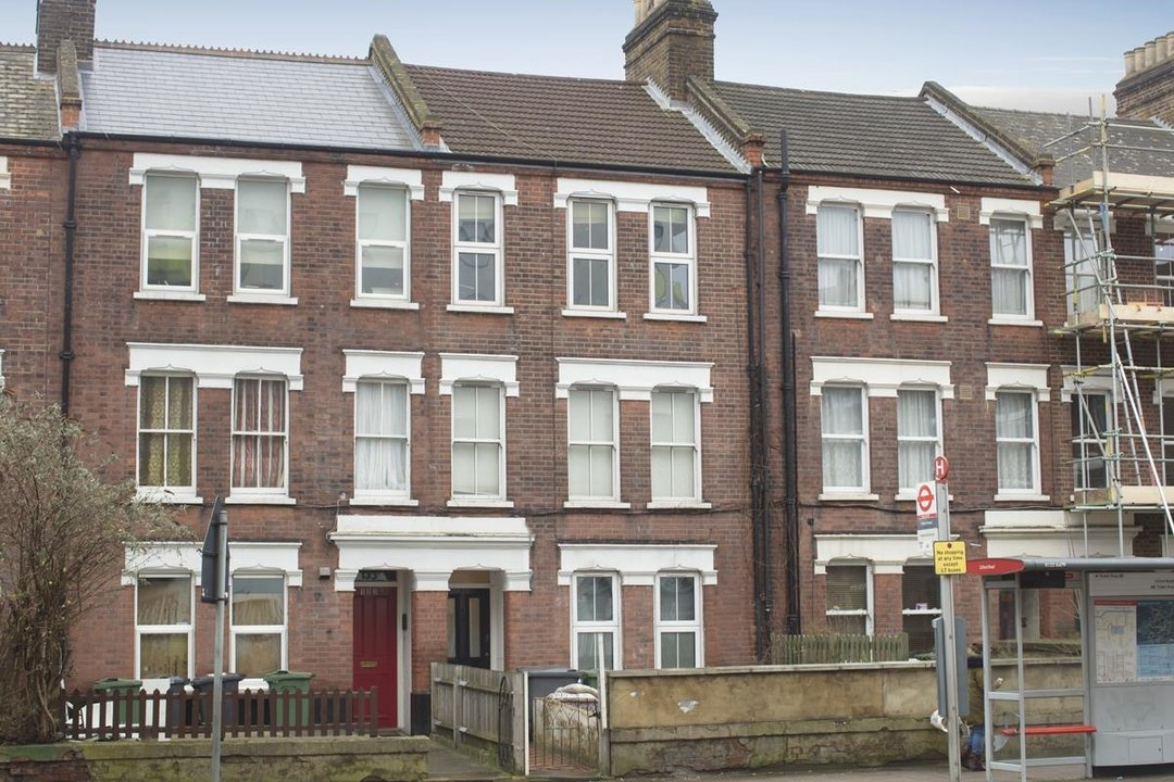 Flat - Conversion Sale Agreed in Coldharbour Lane, SE5 250 view1