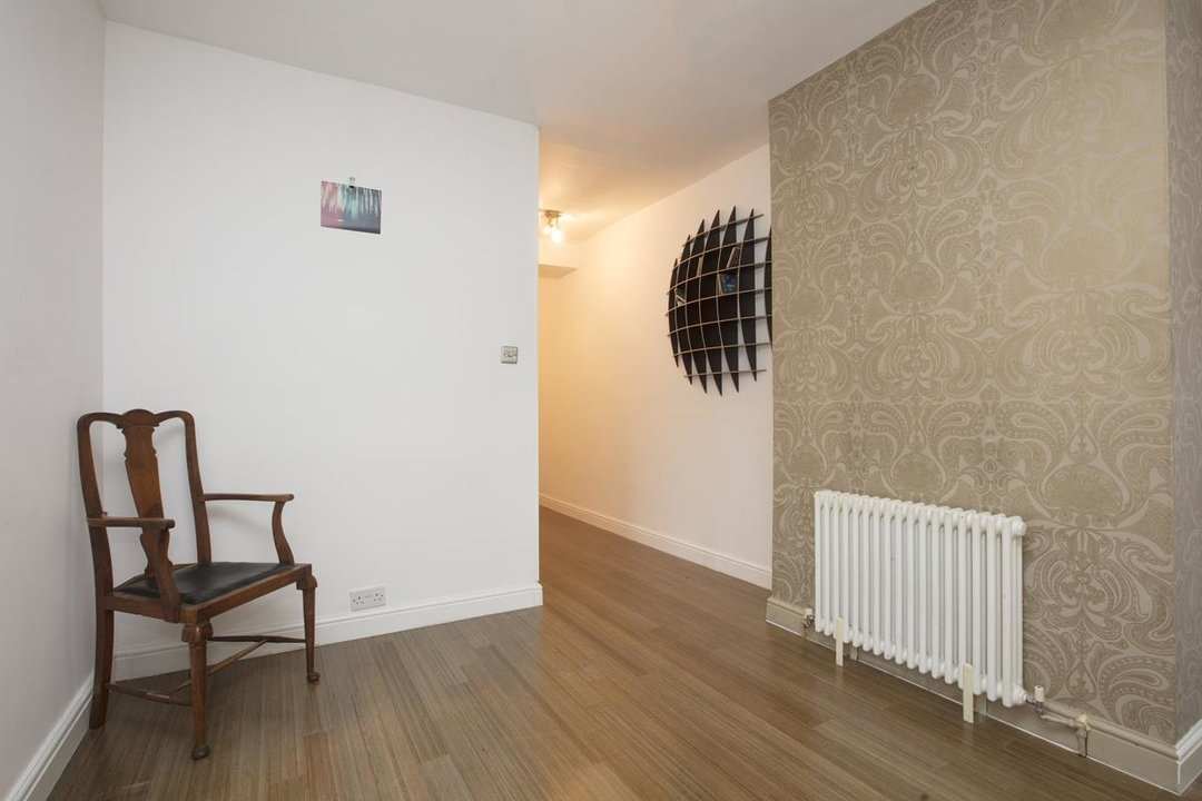 Flat - Conversion Sale Agreed in Coldharbour Lane, SE5 250 view4