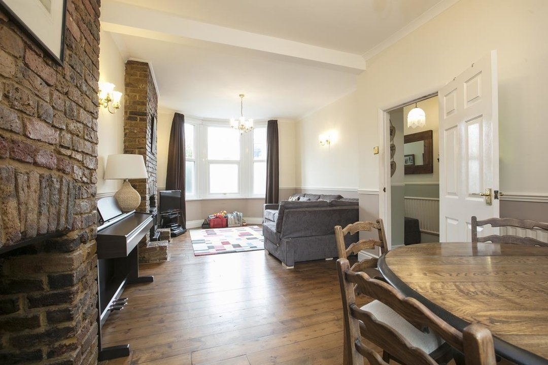 House - Terraced For Sale in Coleman Road, SE5 214 view5