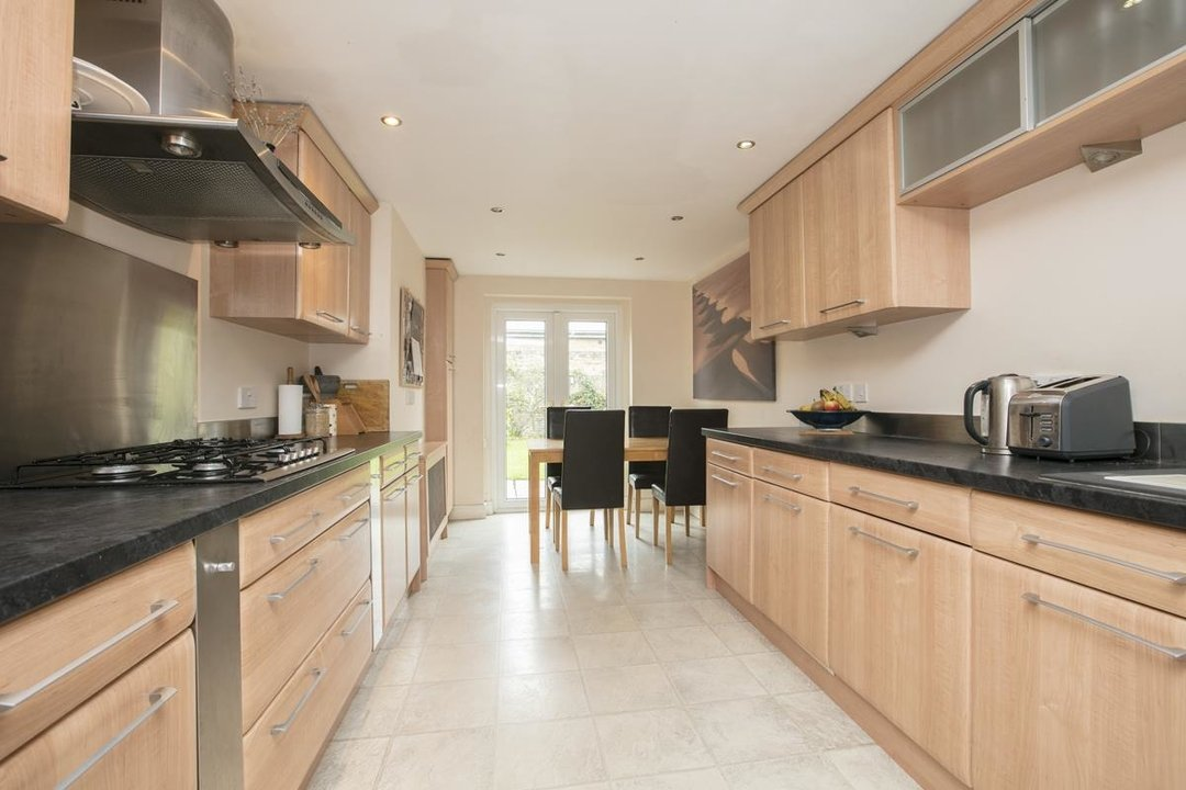 House - Terraced For Sale in Coleman Road, SE5 214 view6