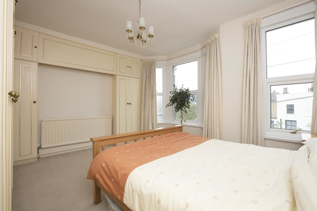 House - Terraced For Sale in Coleman Road, SE5 214 view12