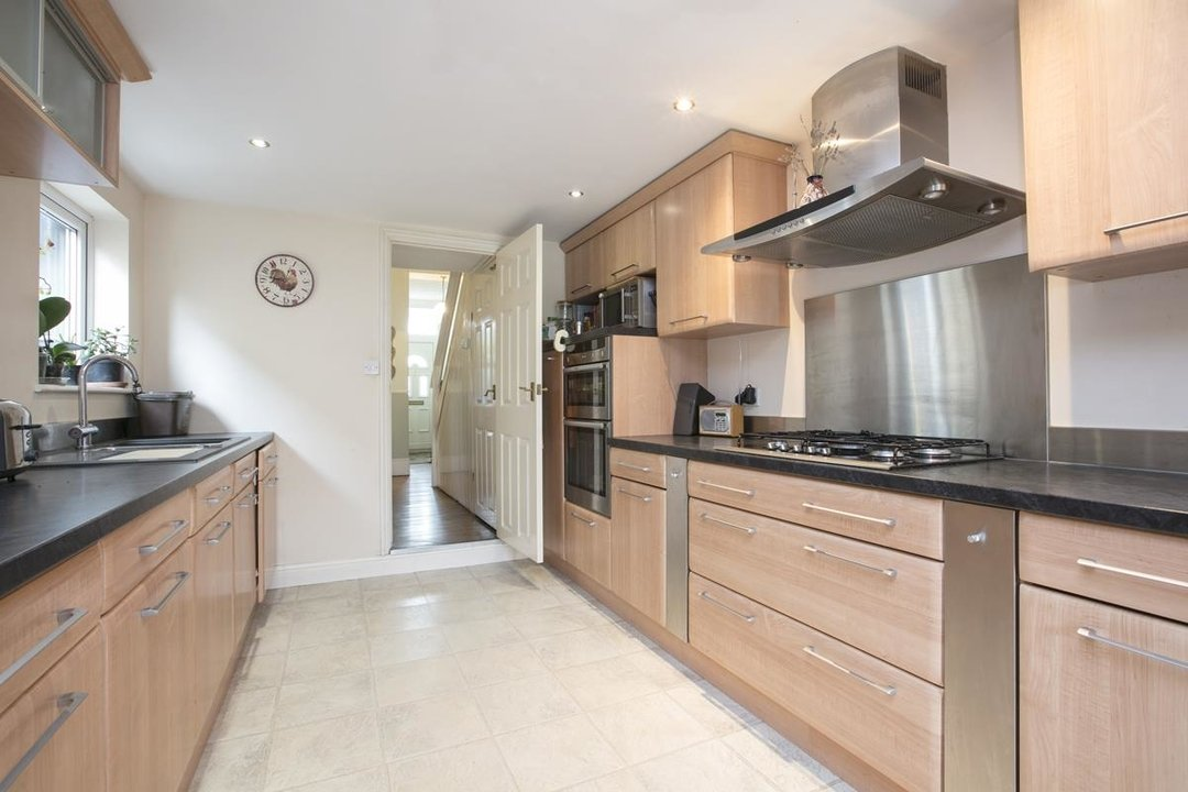 House - Terraced For Sale in Coleman Road, SE5 214 view8
