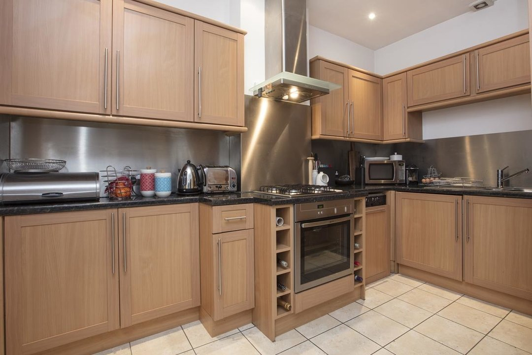 Flat/Apartment For Sale in Coleman Road, SE5 234 view2