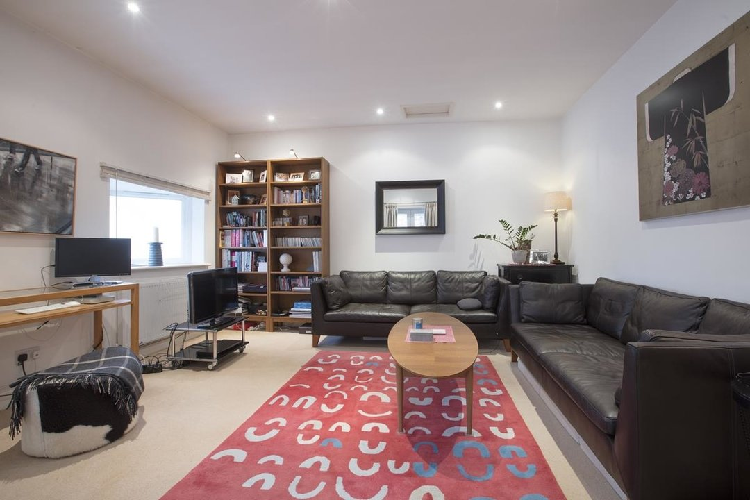 Flat/Apartment For Sale in Coleman Road, SE5 234 view1