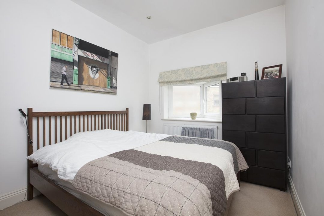 Flat/Apartment For Sale in Coleman Road, SE5 234 view4