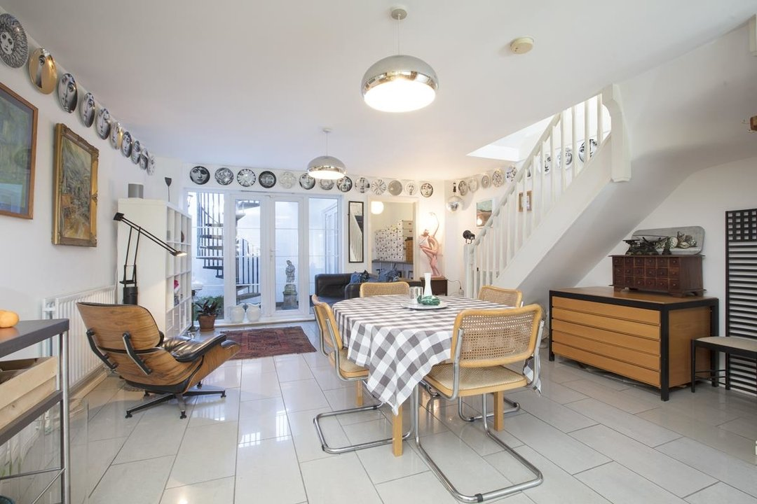 House - Terraced For Sale in Coleman Road, SE5 269 view1