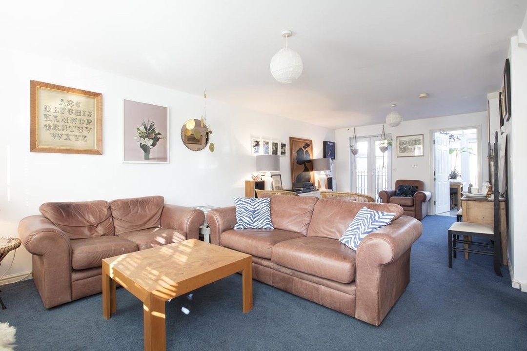 House - Terraced For Sale in Coleman Road, SE5 269 view3