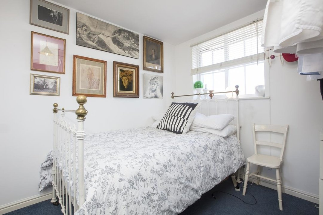 House - Terraced For Sale in Coleman Road, SE5 269 view15