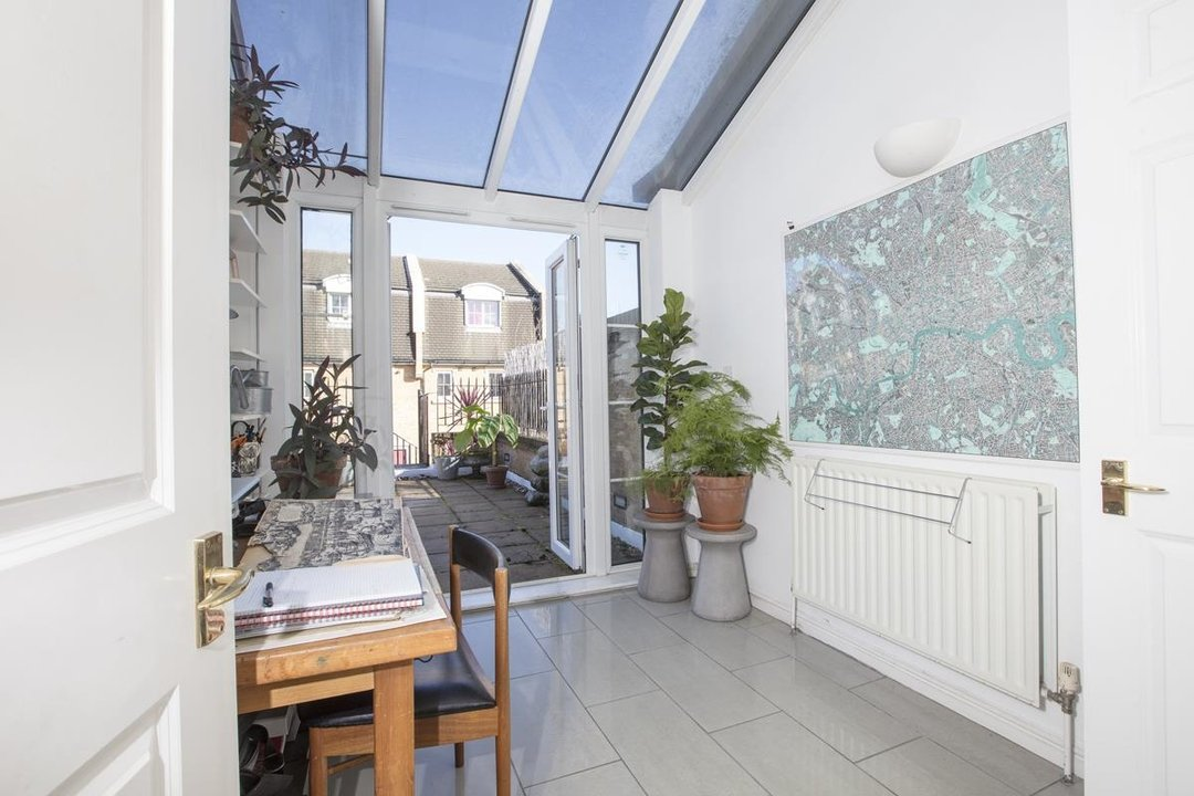 House - Terraced For Sale in Coleman Road, SE5 269 view7