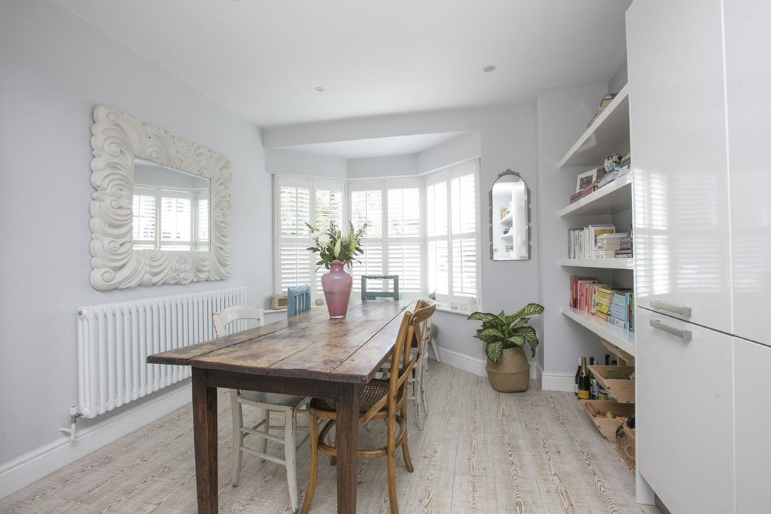 House - Semi-Detached For Sale in Crofton Road, SE5 337 view3