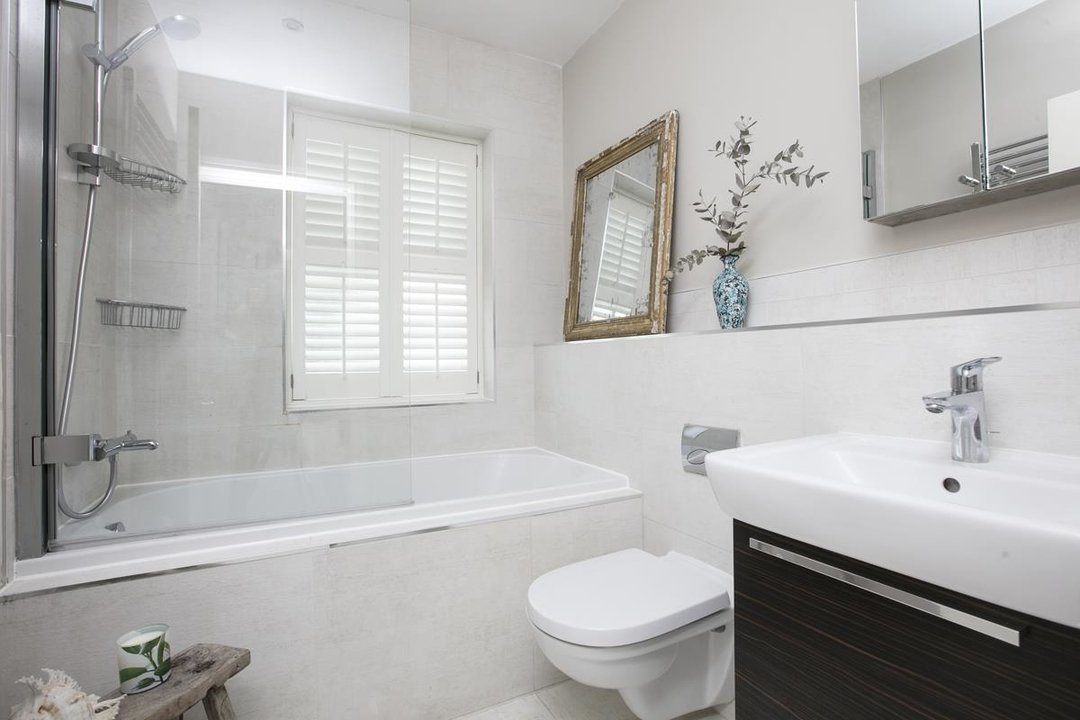 House - Semi-Detached For Sale in Crofton Road, SE5 337 view24