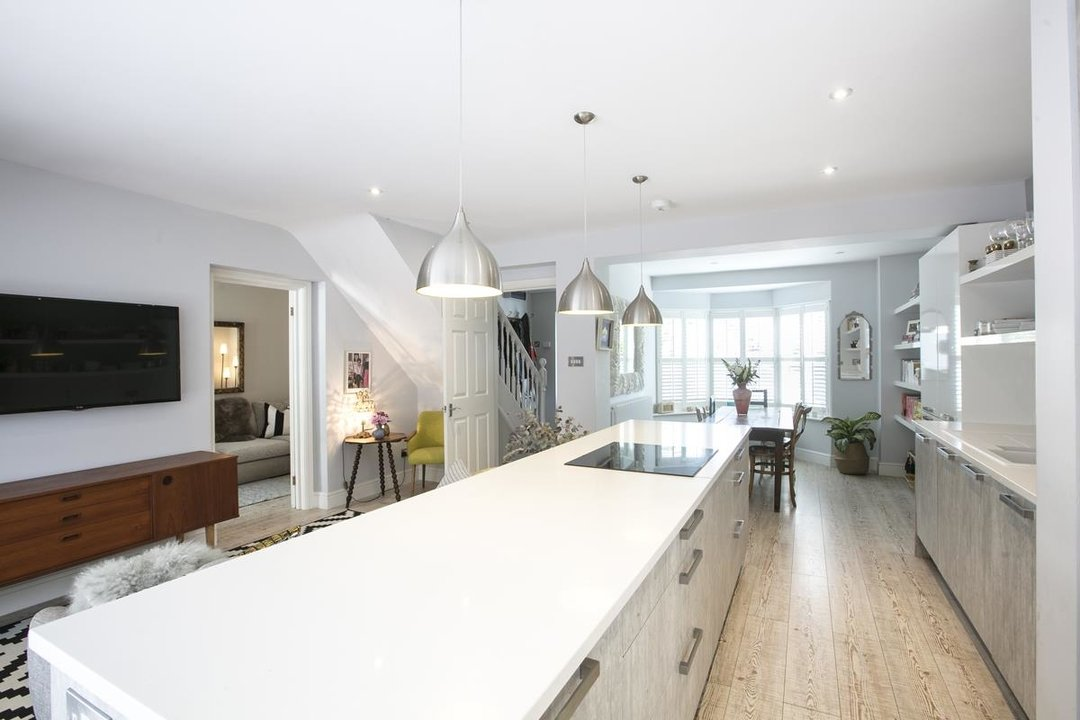 House - Semi-Detached For Sale in Crofton Road, SE5 337 view6