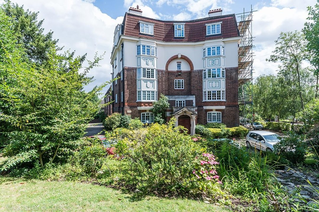 Flat - Purpose Built For Sale in Crystal Palace Park Road, SE26 170 view1
