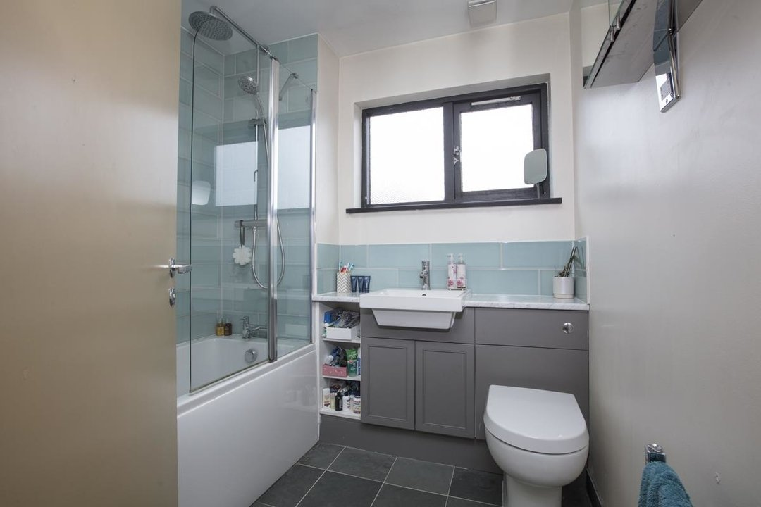 House - Link Detached For Sale in Cuthill Walk, SE5 274 view8