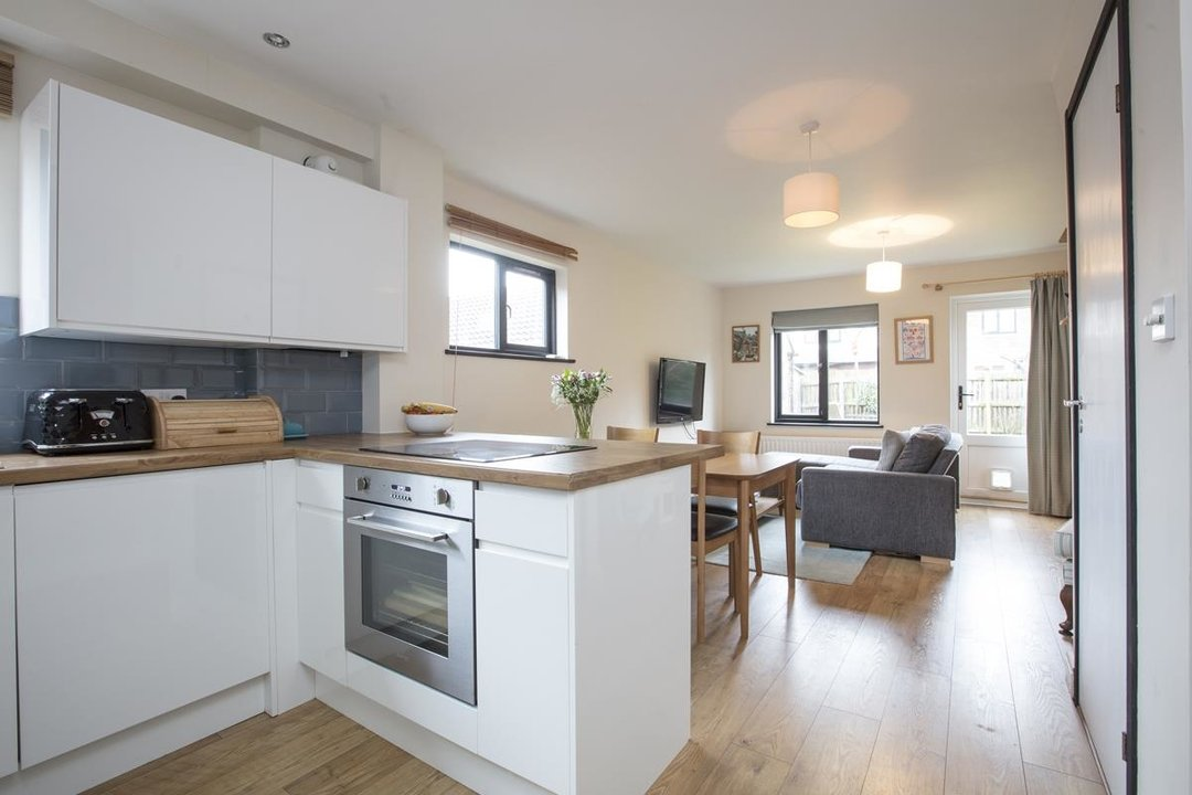 House - Link Detached For Sale in Cuthill Walk, SE5 274 view2