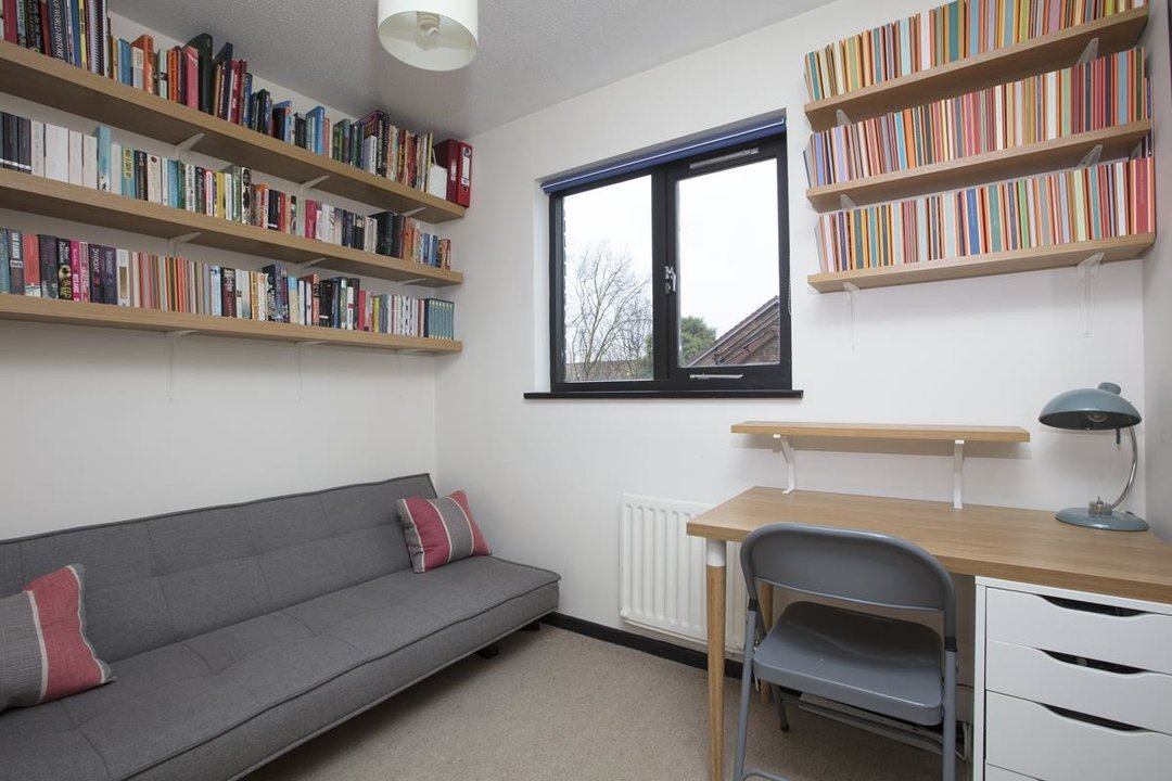 House - Link Detached For Sale in Cuthill Walk, SE5 274 view9