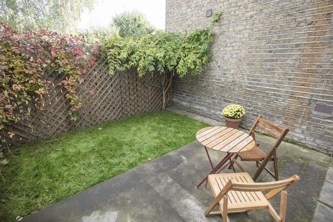 Flat/Apartment For Sale in Denman Road, SE15 209 view2