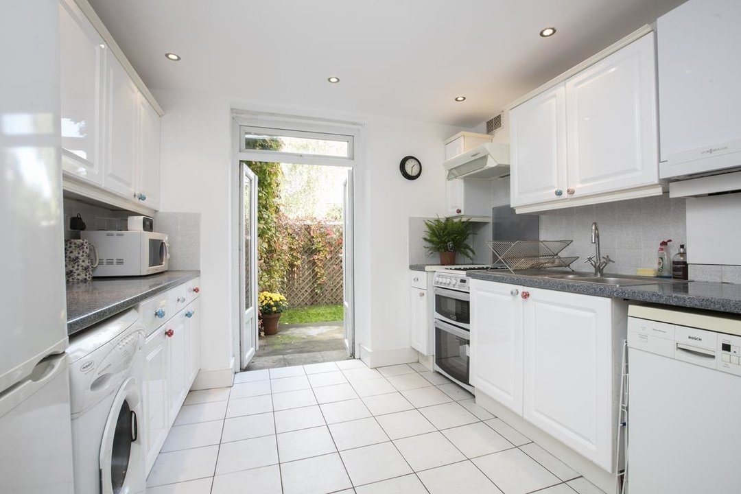 Flat/Apartment For Sale in Denman Road, SE15 209 view5