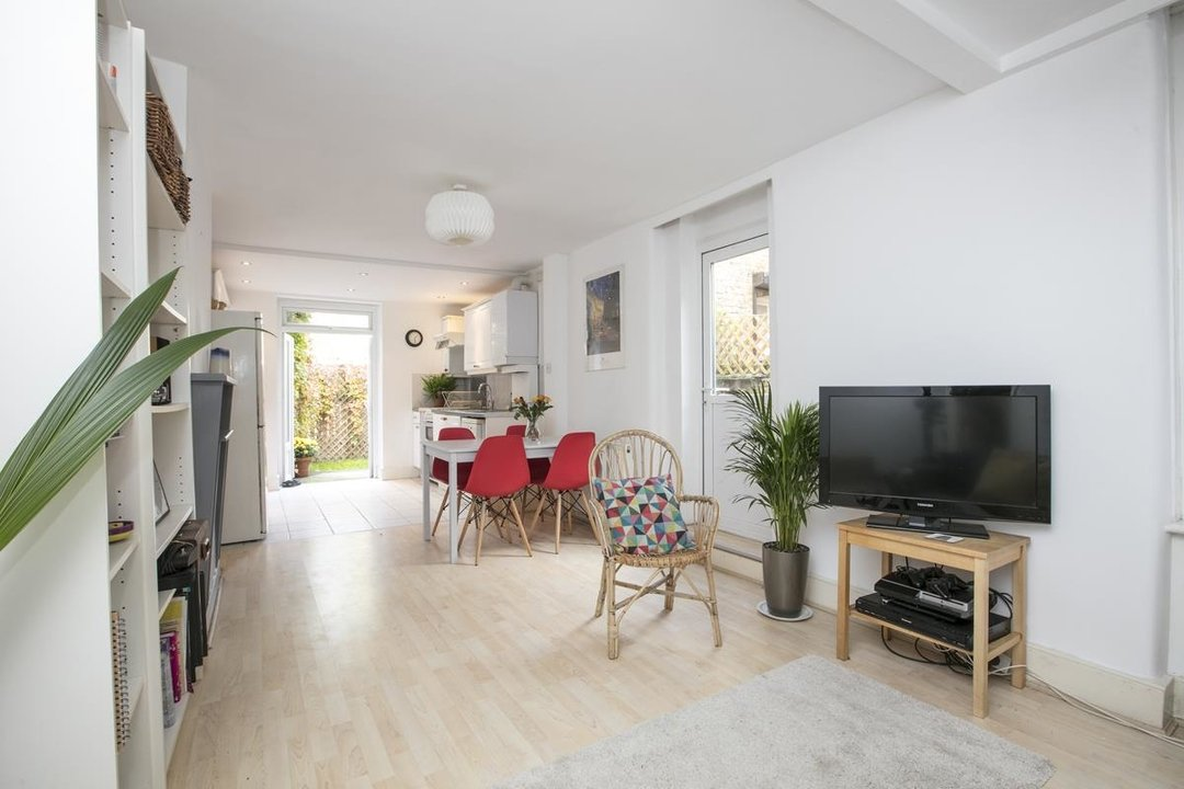 Flat/Apartment For Sale in Denman Road, SE15 209 view1
