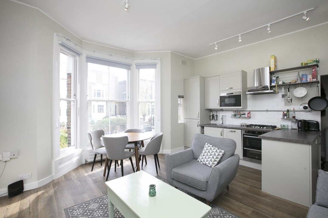 Flat - Conversion For Sale in Dulwich Road, SE24 319 view3