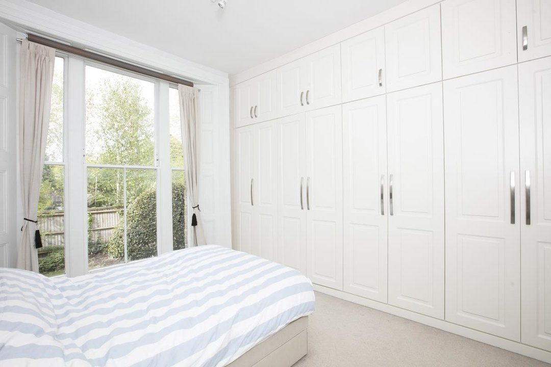 Flat - Conversion For Sale in Dulwich Road, SE24 319 view5