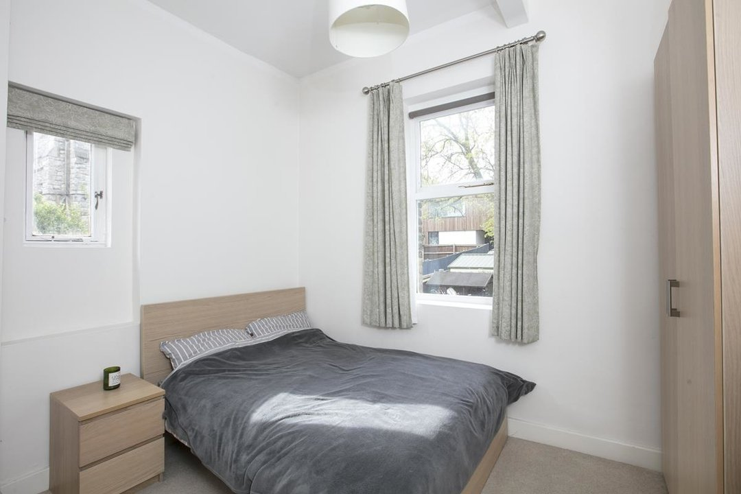 Flat - Conversion For Sale in Dulwich Road, SE24 319 view6