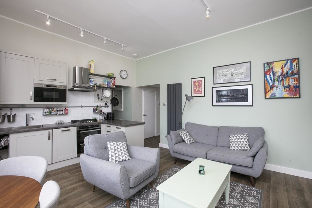 Flat - Conversion For Sale in Dulwich Road, SE24 319 view4