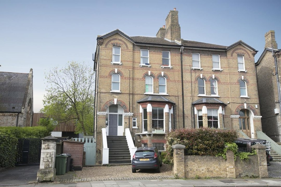 Flat - Conversion For Sale in Dulwich Road, SE24 319 view2