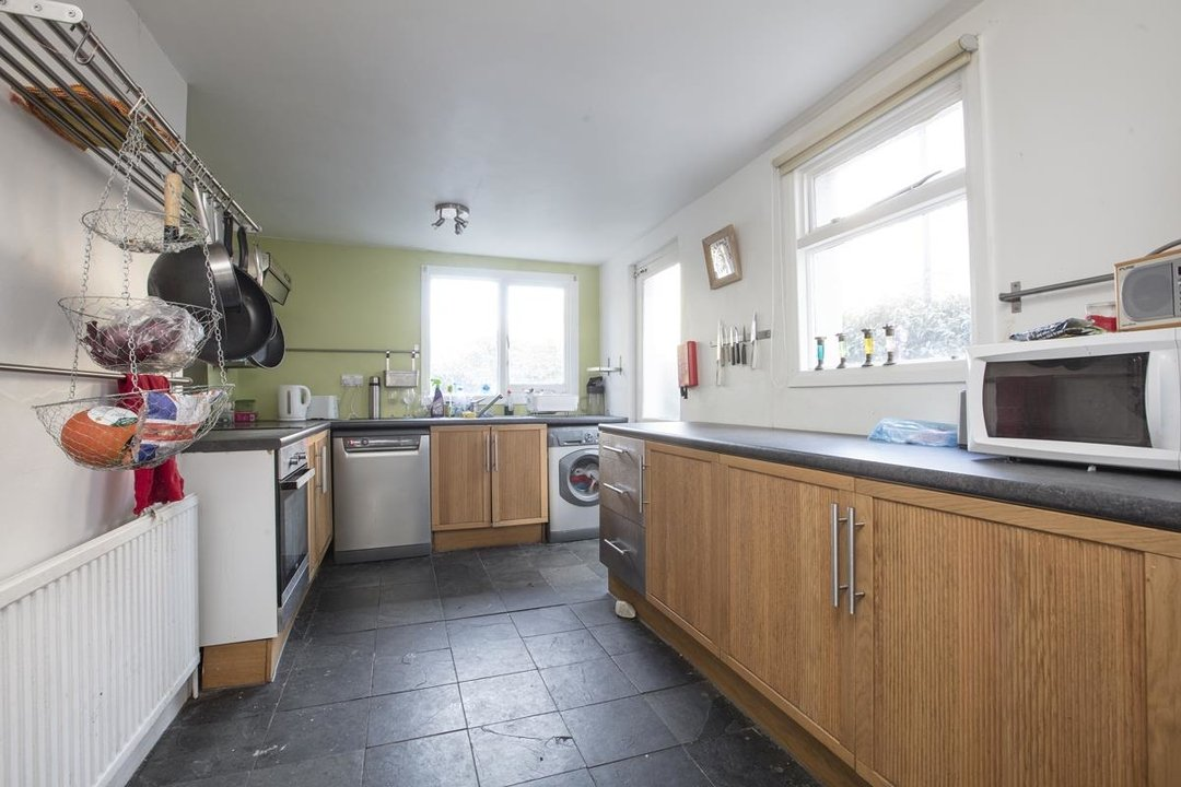House - Terraced Sale Agreed in Elcot Avenue, SE15 235 view4