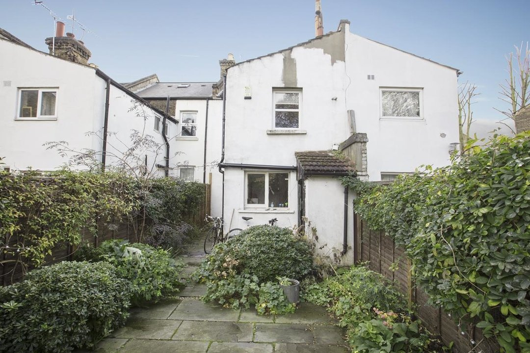 House - Terraced Sale Agreed in Elcot Avenue, SE15 235 view10