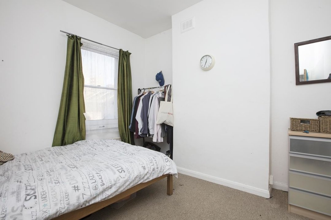 House - Terraced For Sale in Elcot Avenue, SE15 235 view9