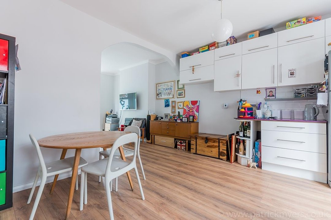 House - Terraced For Sale in Ethnard Road, SE15 79 view5