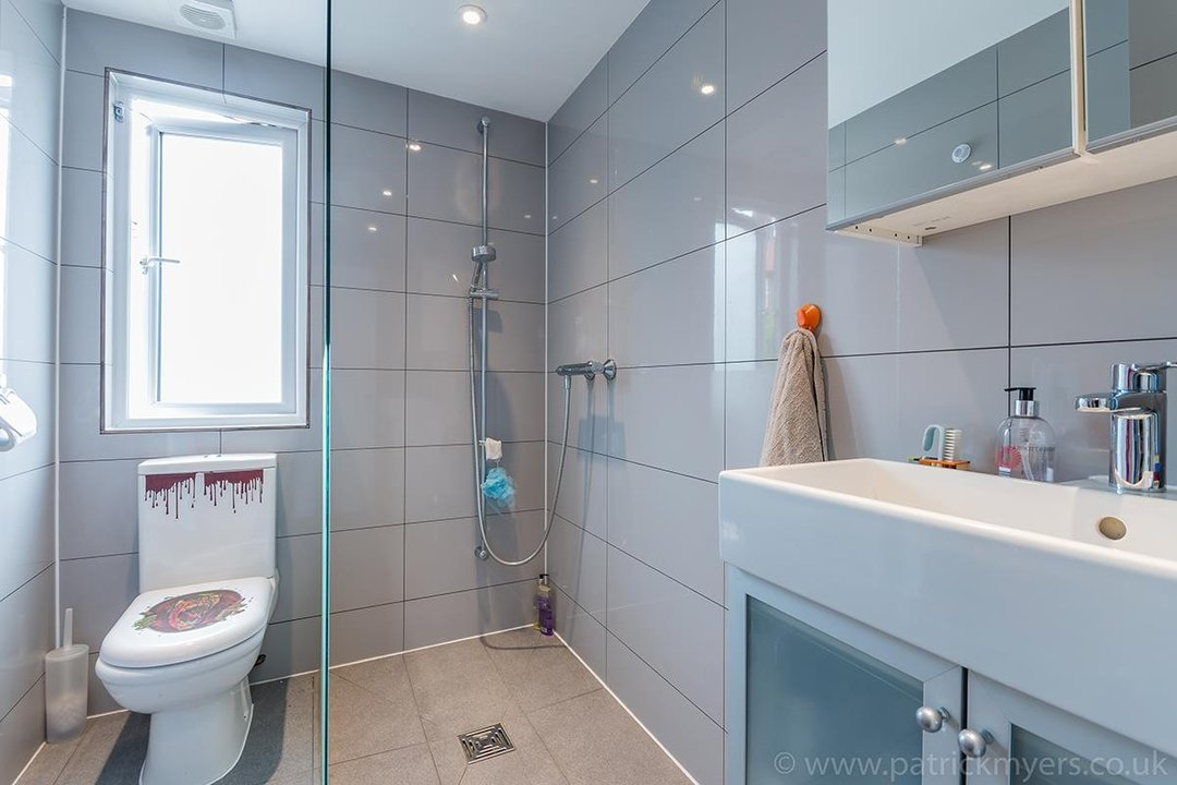 House - Terraced For Sale in Ethnard Road, SE15 79 view15