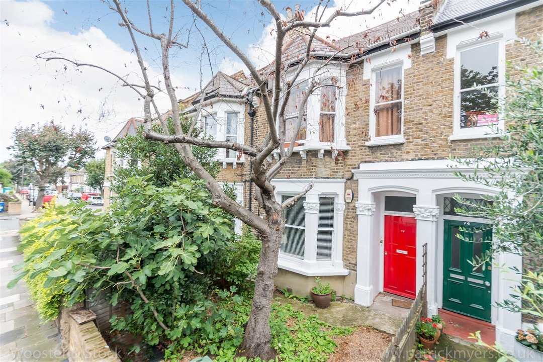 Flat - Conversion Sale Agreed in Fenwick Road, SE15 176 view1