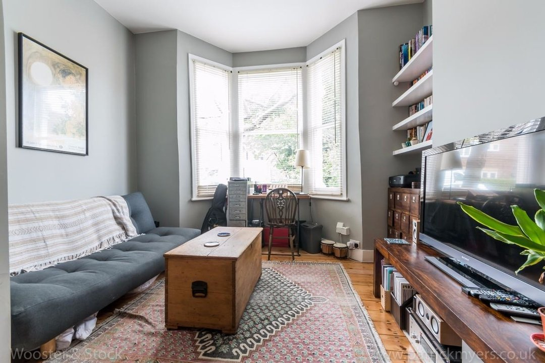 Flat - Conversion Sale Agreed in Fenwick Road, SE15 176 view15
