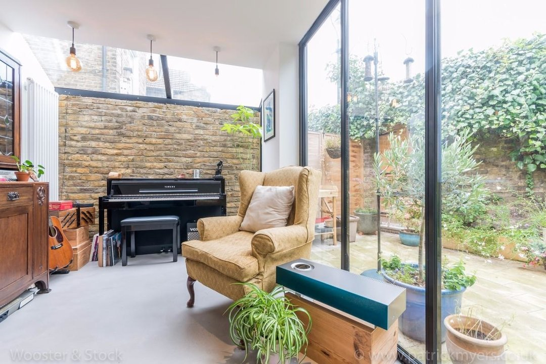 Flat - Conversion Sale Agreed in Fenwick Road, SE15 176 view8