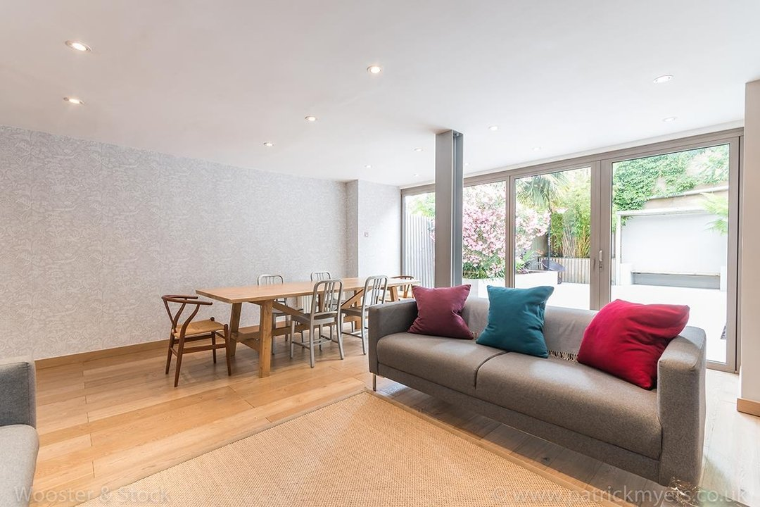 House - Terraced For Sale in Friern Road, SE22 122 view5