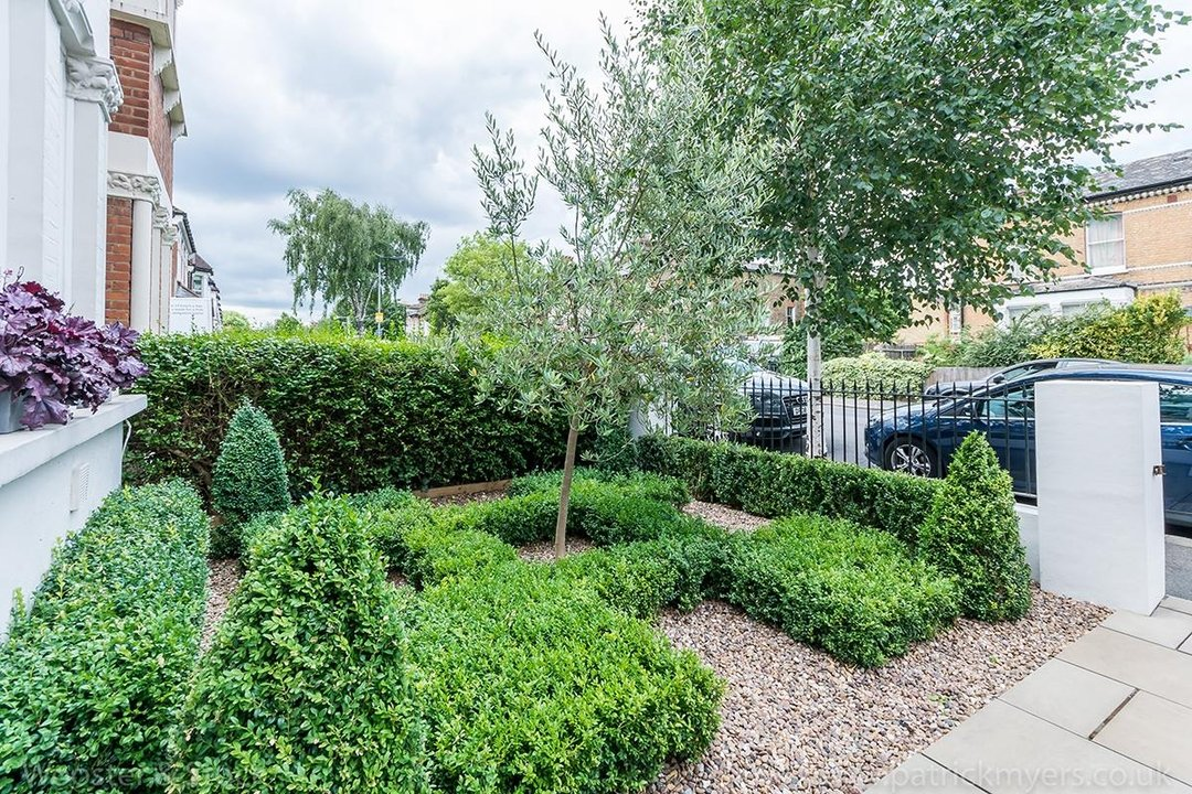House - Terraced For Sale in Friern Road, SE22 122 view23