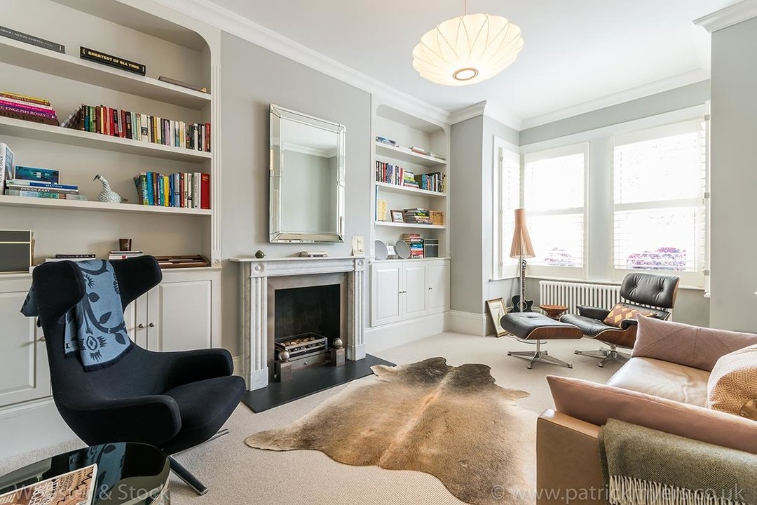 House - Terraced For Sale in Friern Road, SE22 122 view2
