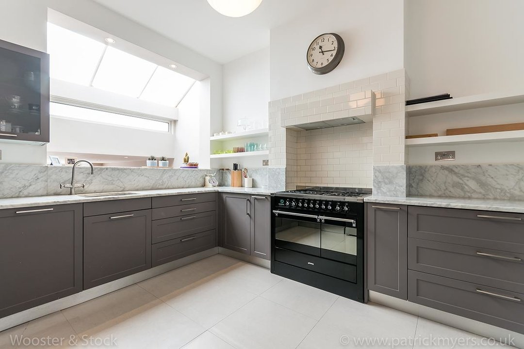 House - Terraced For Sale in Friern Road, SE22 122 view3