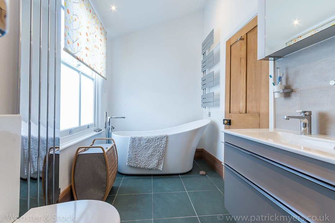 House - Terraced Sold in Gairloch Road, SE5 242 view22