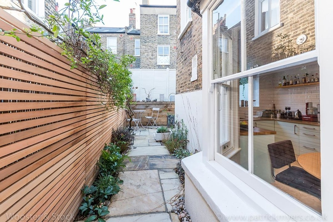 House - Terraced For Sale in Gairloch Road, SE5 242 view11