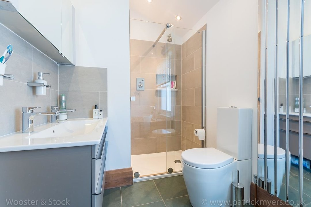 House - Terraced Sold in Gairloch Road, SE5 242 view21