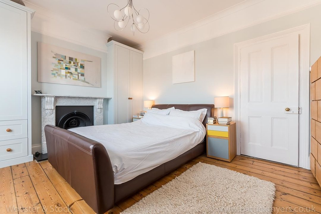 House - Terraced For Sale in Gairloch Road, SE5 242 view16