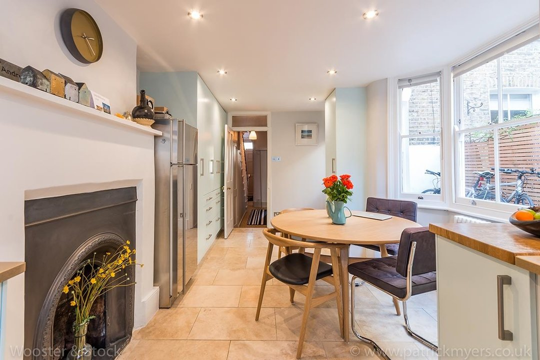 House - Terraced For Sale in Gairloch Road, SE5 242 view10