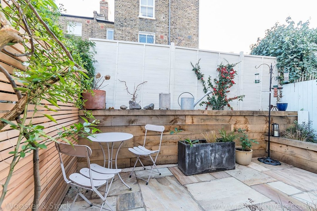 House - Terraced Sold in Gairloch Road, SE5 242 view12
